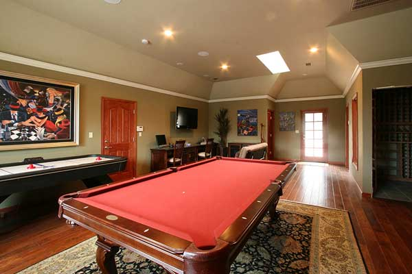 Finished basement with game room